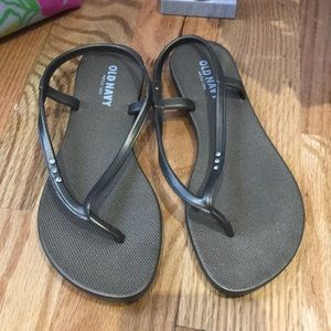 Old navy slip on